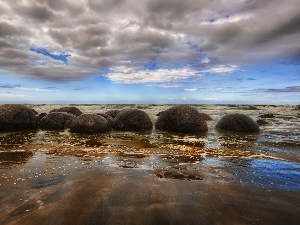 Stones, sea, Sky, clouds