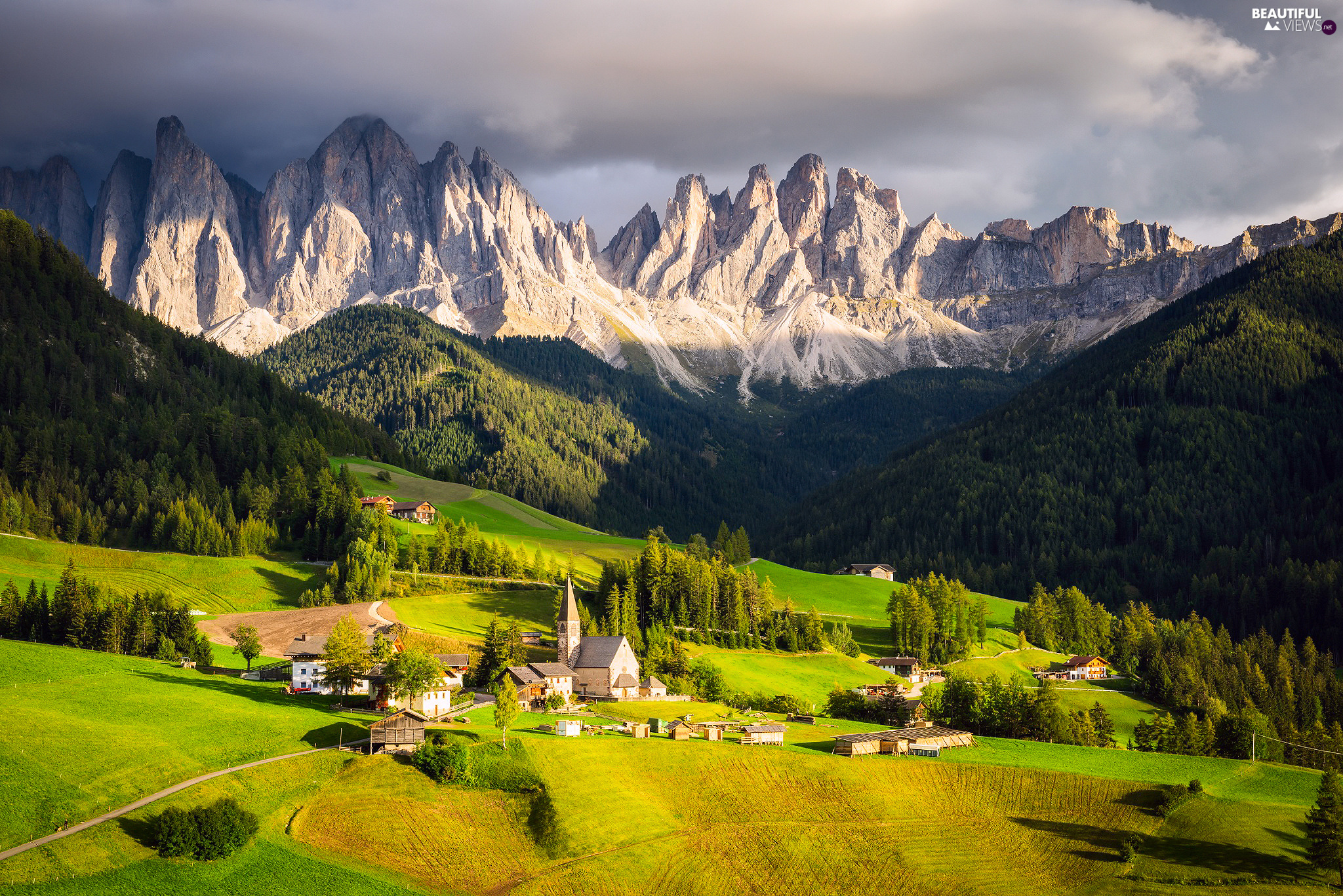 Val di Funes Valley, Dolomites Mountains, woods, Massif Odle, Italy, Village of Santa Maddalena, Houses