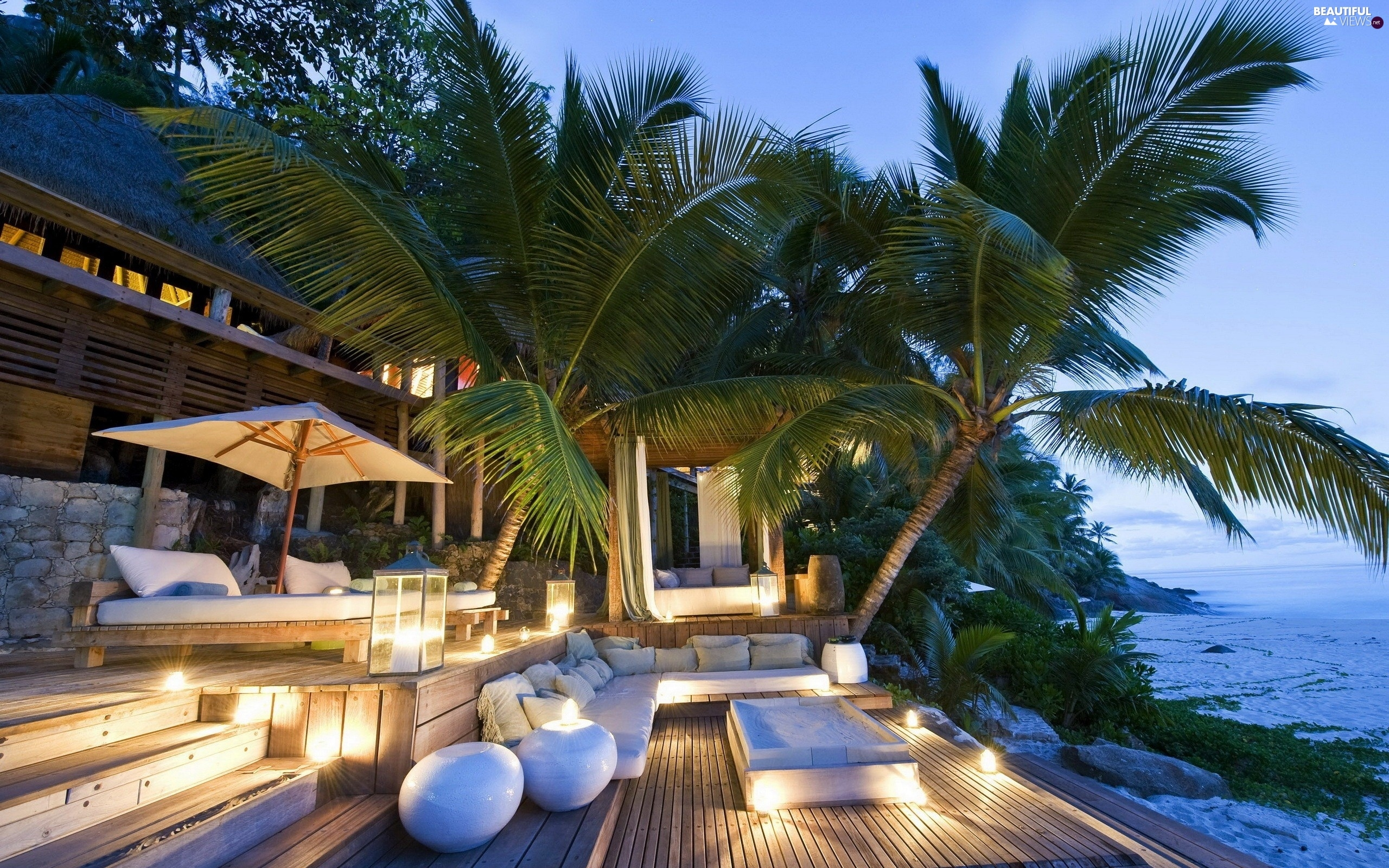 Amazing Candles, Patio, Palms