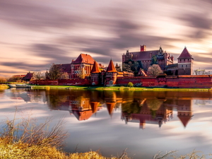 Nogat River, Teutonic, Malbork, Monument, Malbork Castle, reflection, Poland