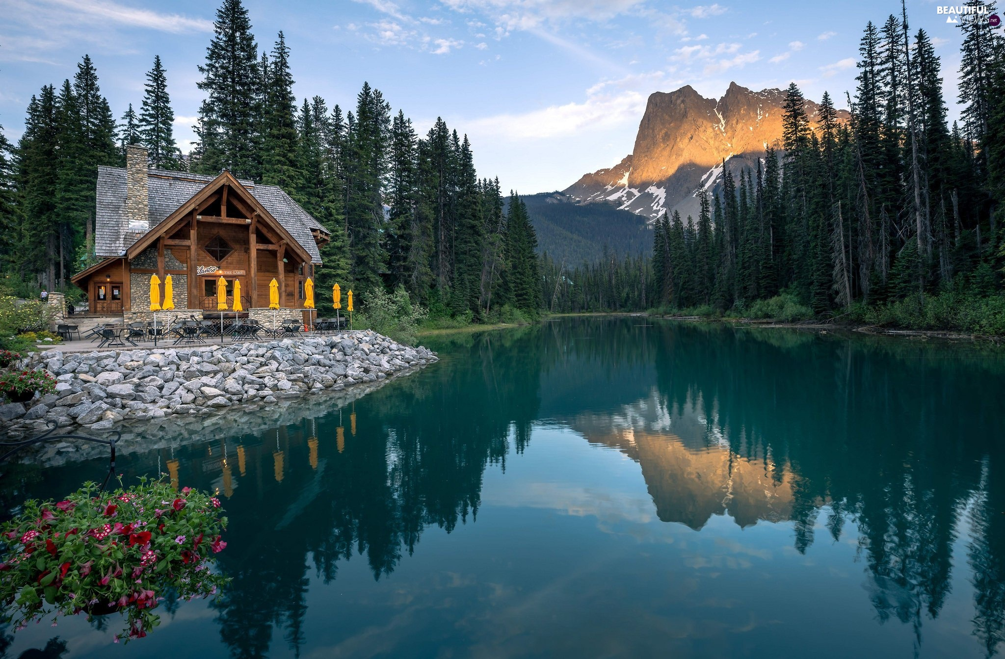 Emerald Lake, trees, Canada, viewes, Province of British Columbia, Mountains, Yoho National Park, house