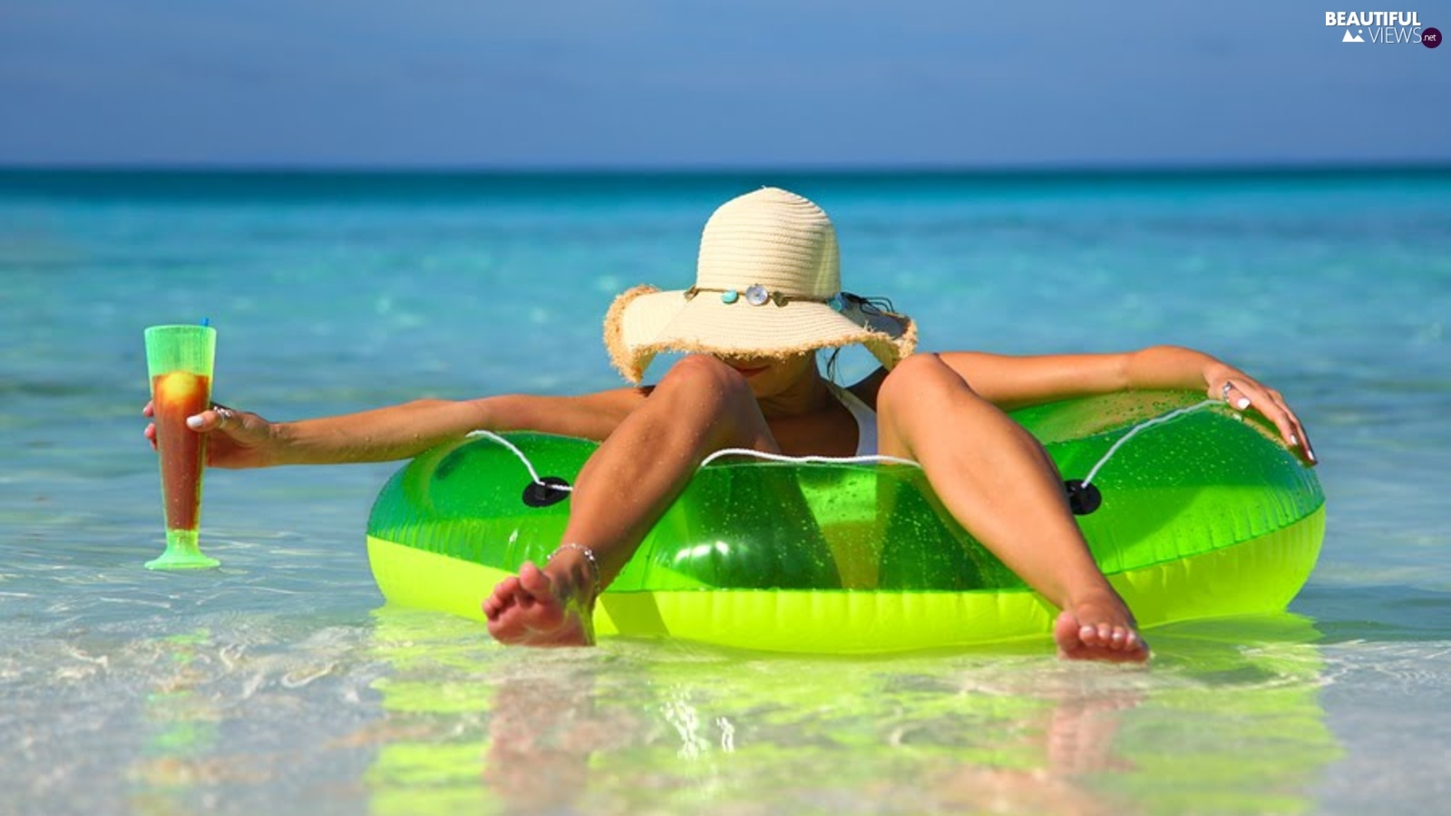 Hat, relaxation, Women, circle, water
