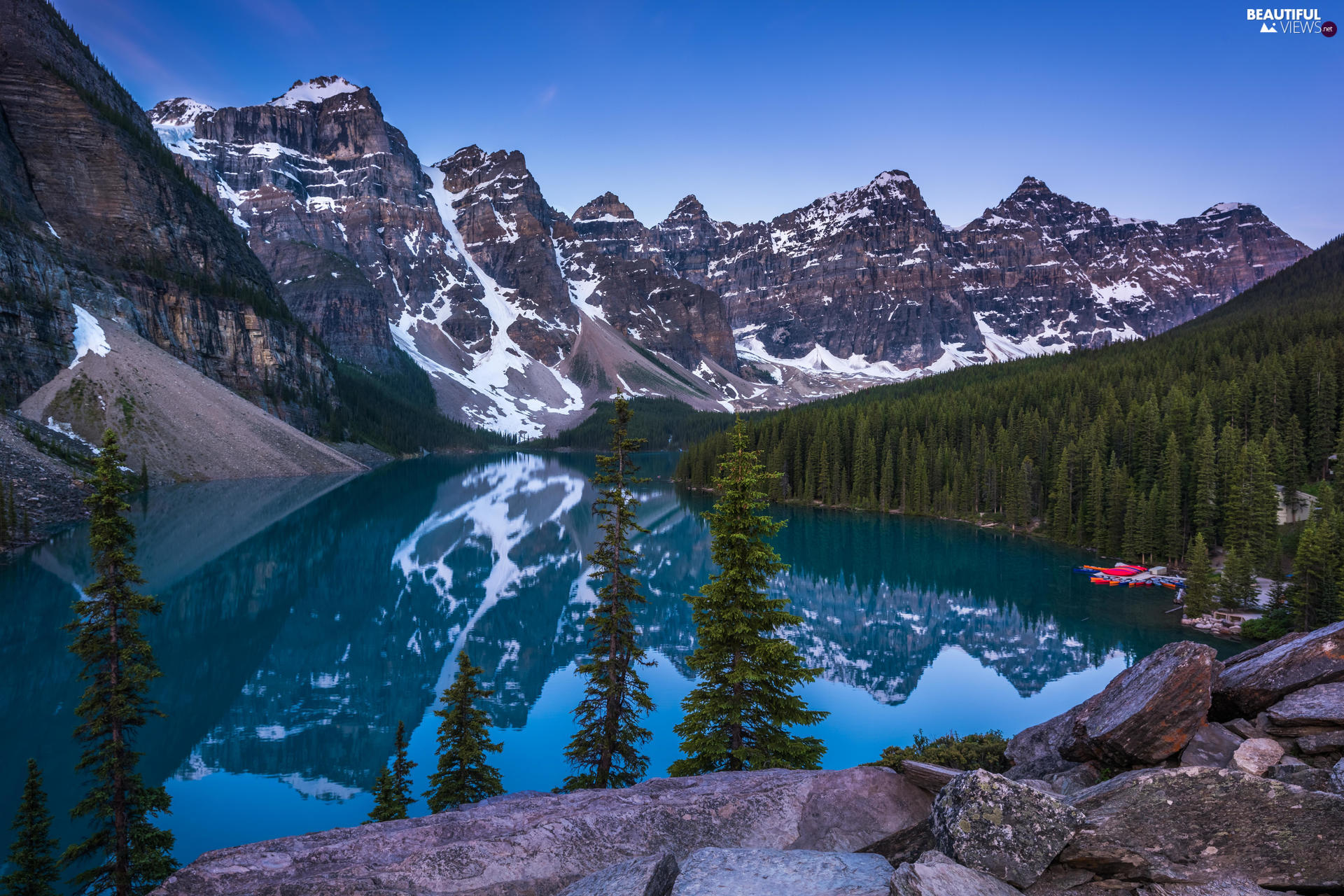 viewes, Province of Alberta, Moraine Lake, clouds, Mountains, Banff National Park, lake, Canada, Stones, trees