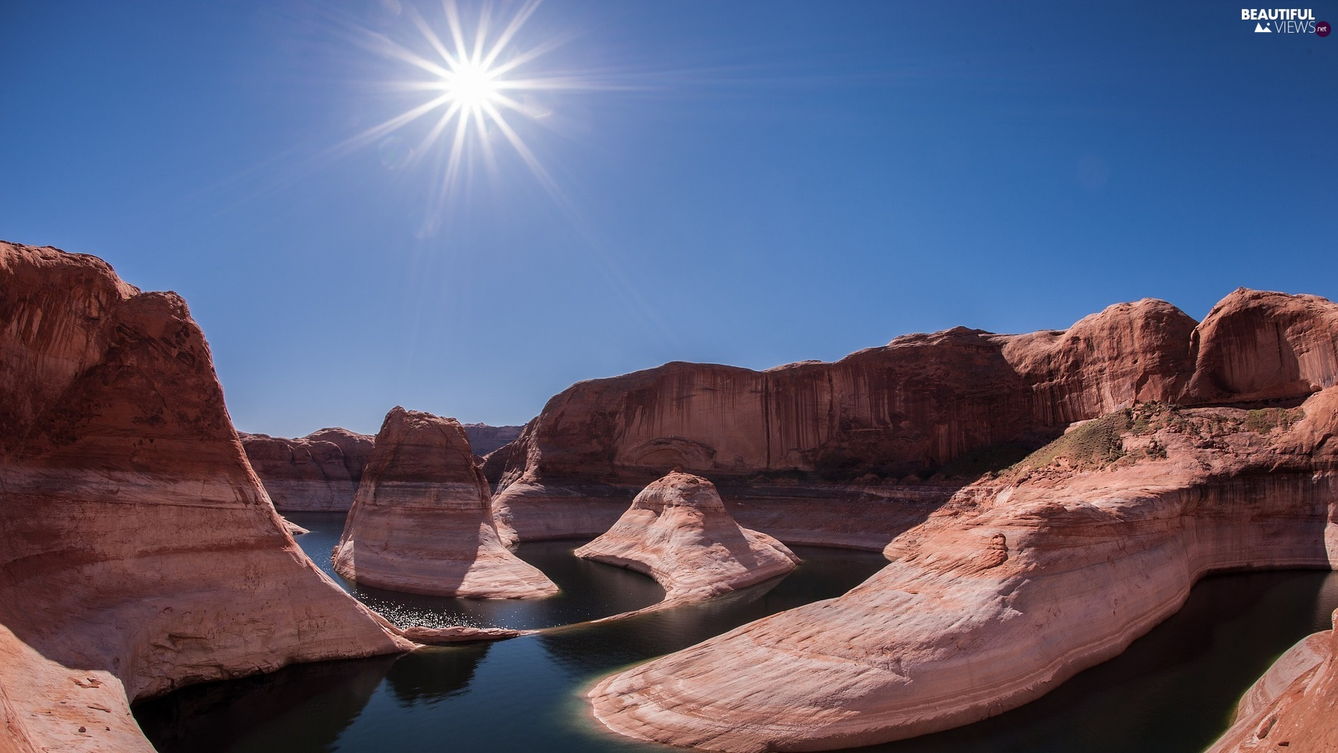 The United States, Powell Lake, rays of the Sun, Glen Canyon