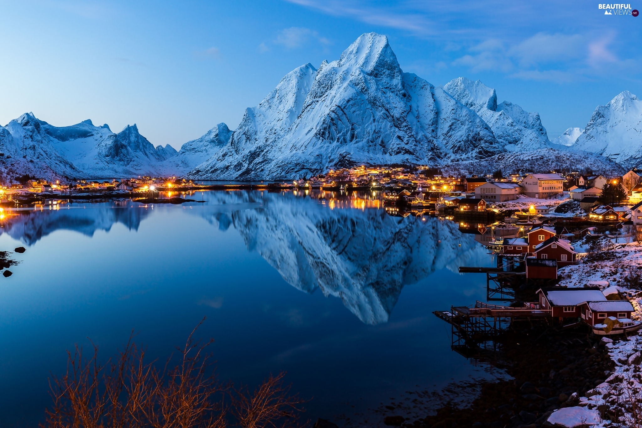 Reine Village, Norwegian Sea, light, winter, Mountains, Lofoten, Norway, Houses