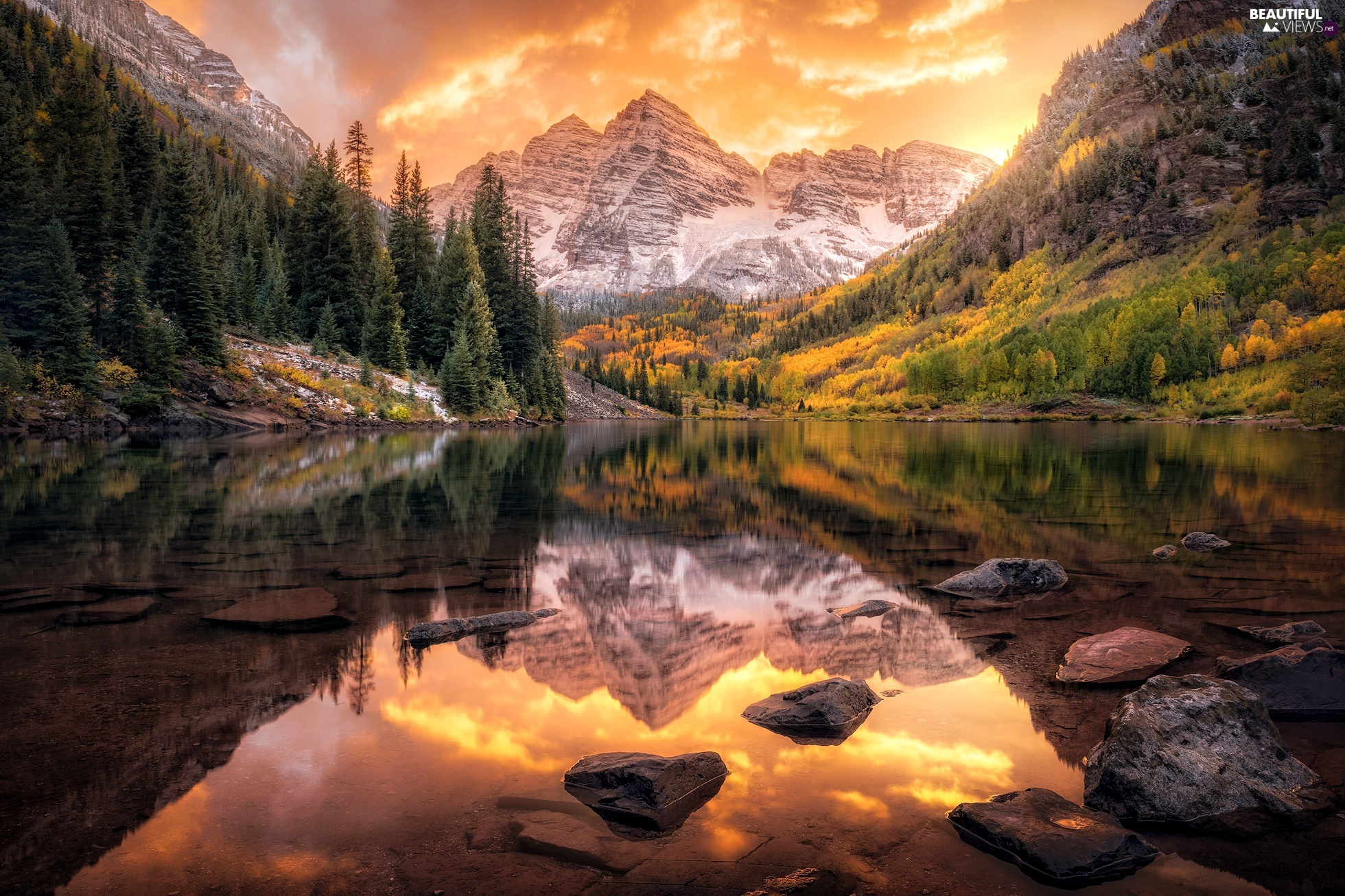 Maroon Bells Peaks, rocky mountains, Maroon Lake, State of Colorado, Stones, reflection, trees, viewes, The United States