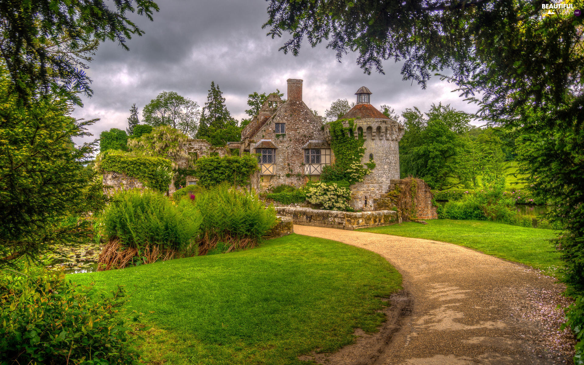 Scotney Castle, Path, Kent County, Lawn, England, green, Garden, Pond - car, trees, Park, manor-house, clouds, viewes